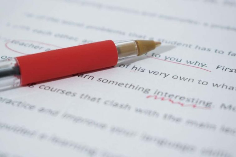 How essay writing is different from report writing