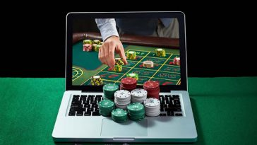 Look At These 4 Reasons For The Popularity Of Online Gambling