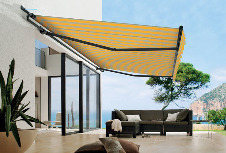 How Do Retractable Awnings Work