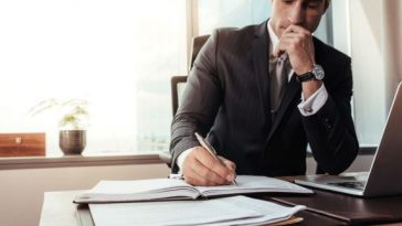 5 Impressive Advantages of Hiring a Business Attorney