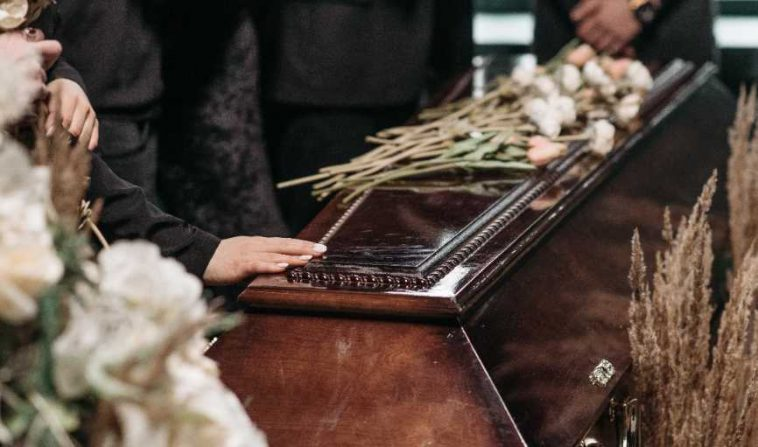 4 Things To Consider When Buying Caskets Online