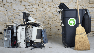 4 Benefits of Recycling Old Computers